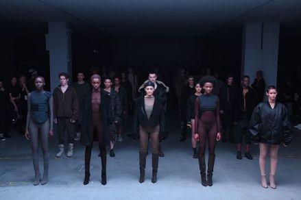 Kanye-West-NYFW-show-3